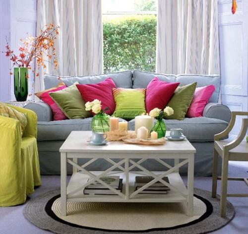 Консольный столик в гостиной фото