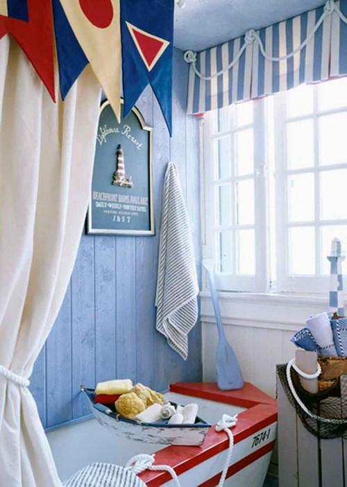 Ванная комната в морском стиле шторы