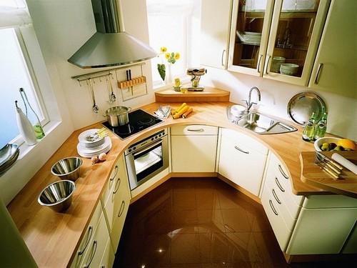 Мебель для маленькой кухни нестандартной планировки