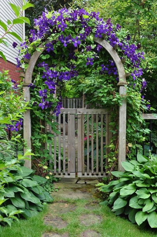 Калитка с аркой деревянной для сада