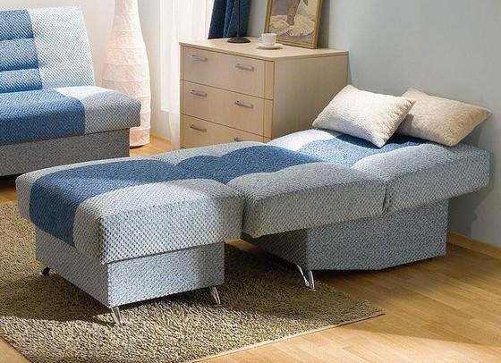 Кресло-кровать в разложенном виде фото