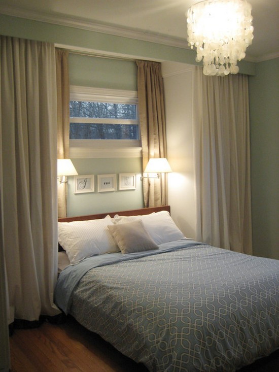 Светильтники бра над кроватью для чтения в спальне