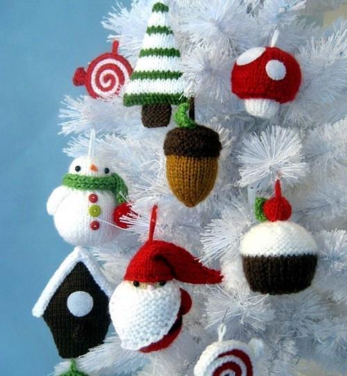 Вязаные игрушки на елку