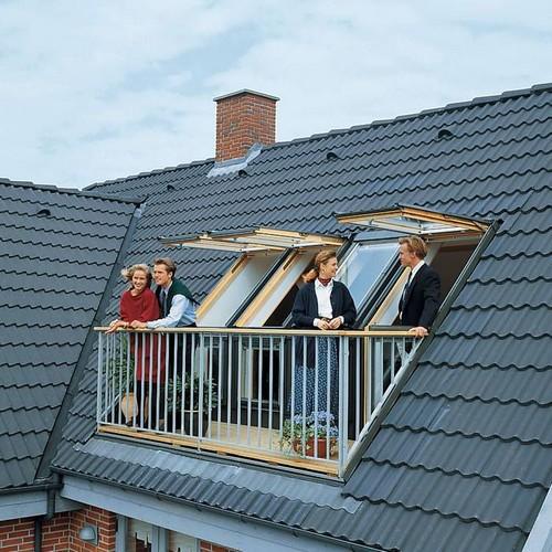Окно-балкон для мансардной крыши