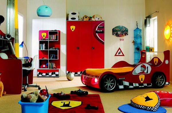 Кровать-машина в комнату мальчика