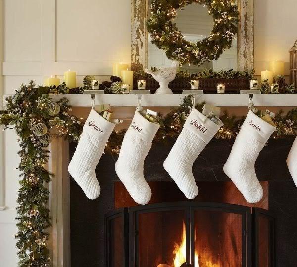 Белые носки рождественские для подарков