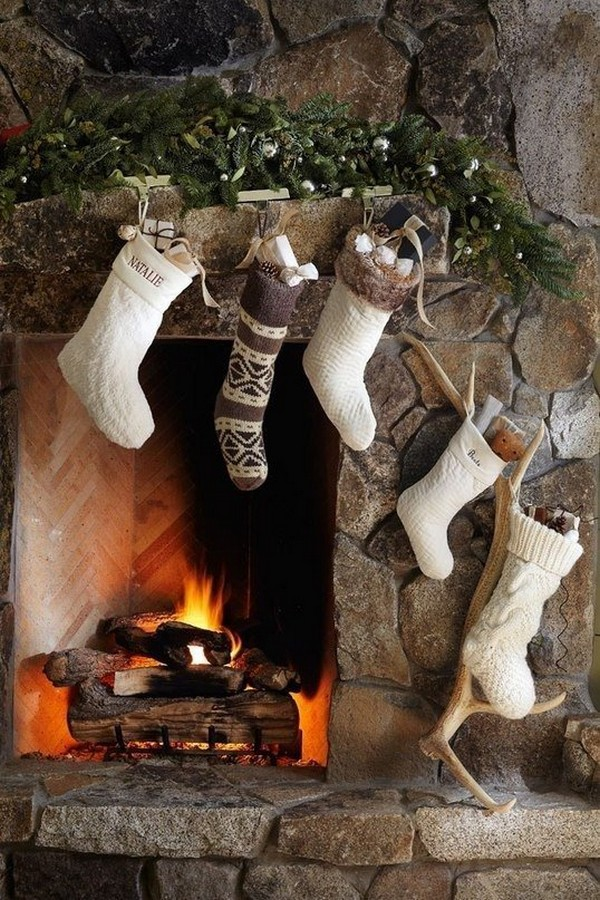 Белые вязаные рождественские носки