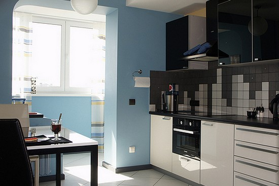 Малогабаритная кухня с балконом фото