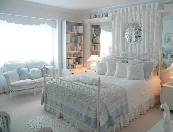 Белое покрывало на кровать фото