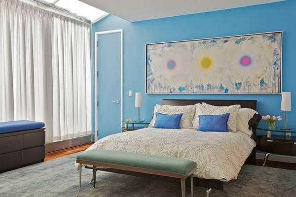 Акцент на одну стену в спальне картина