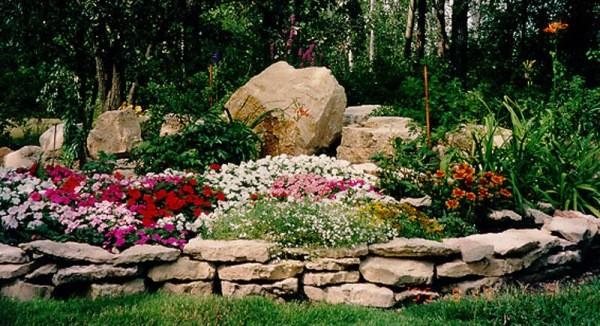 Оформление клумбы непрерывного цветения