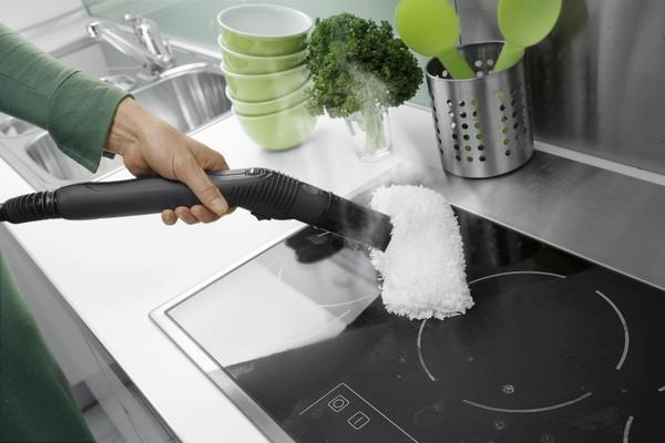 Мытье варочной поверхности пароочистителем