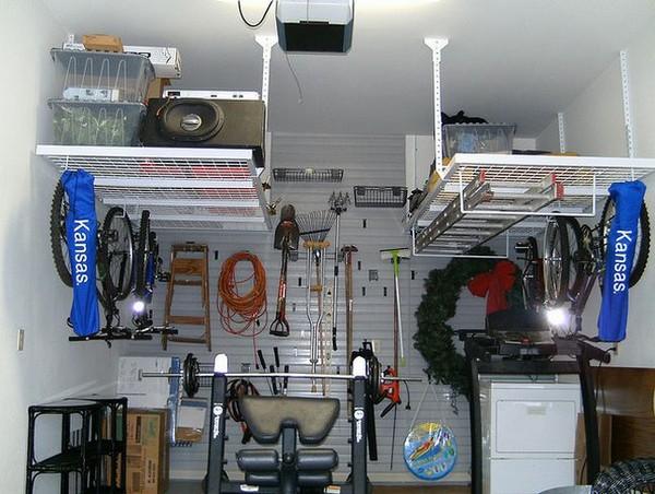 Подвесные металлические полки в гараж