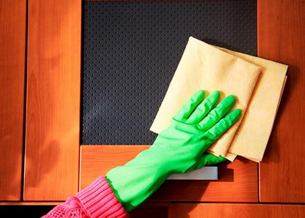 Как чистить полированную мебель в домашних условиях