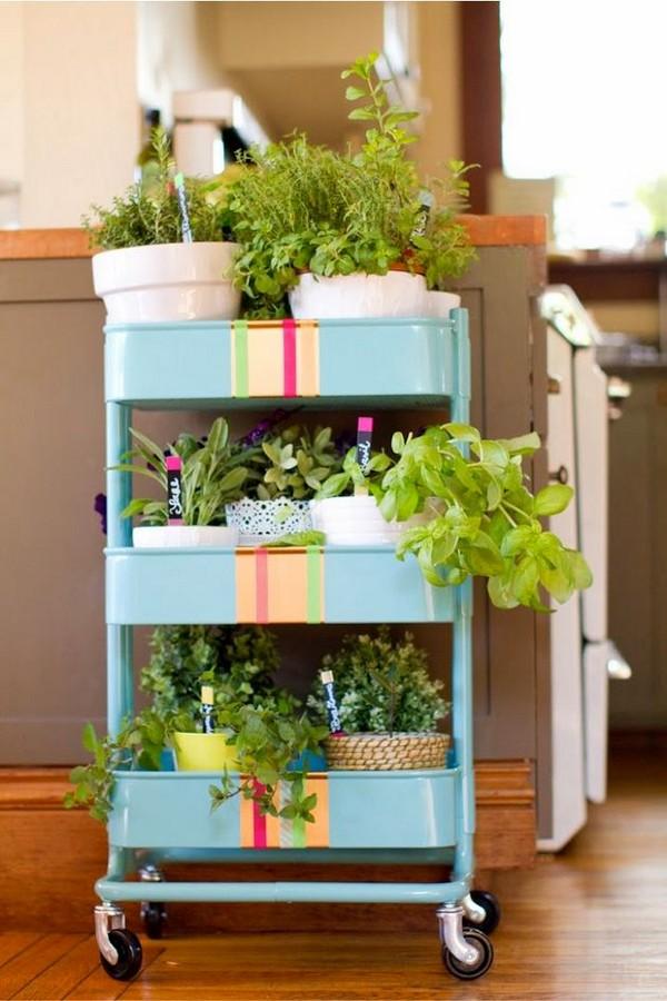 Этажерка для цветов на колесиках металлическая