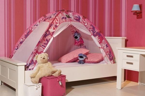 Кровать-палатка в детской комнате