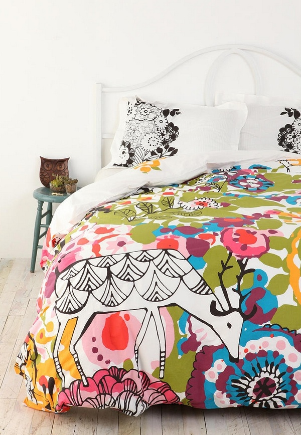 Яркое постельное белье с принтом