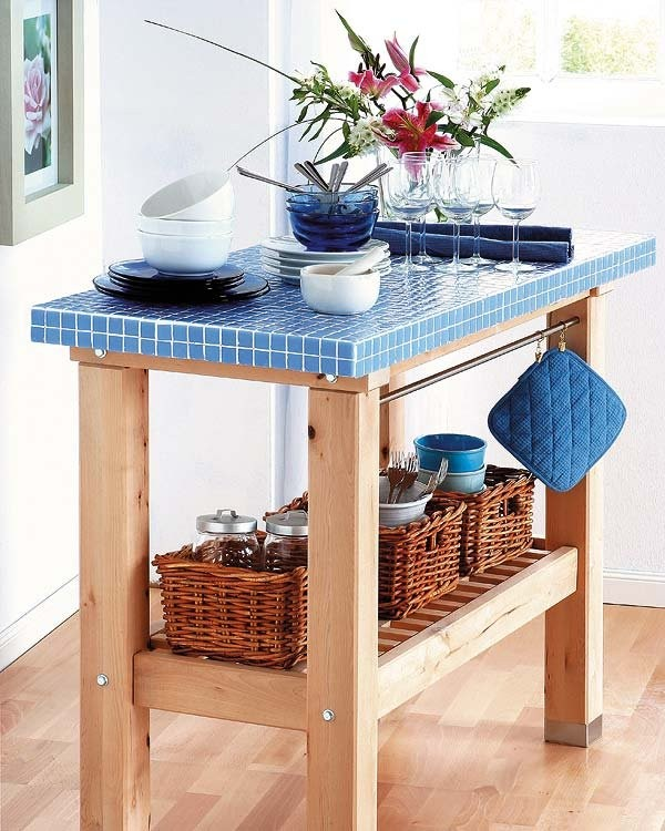 Деревянный кухонный столик-островок