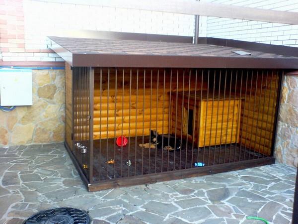 Будки и вольеры для маленьких собак