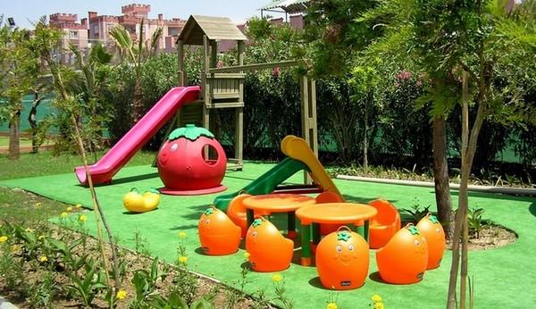 Щепа цветная декоративная для обустройства детских площадок