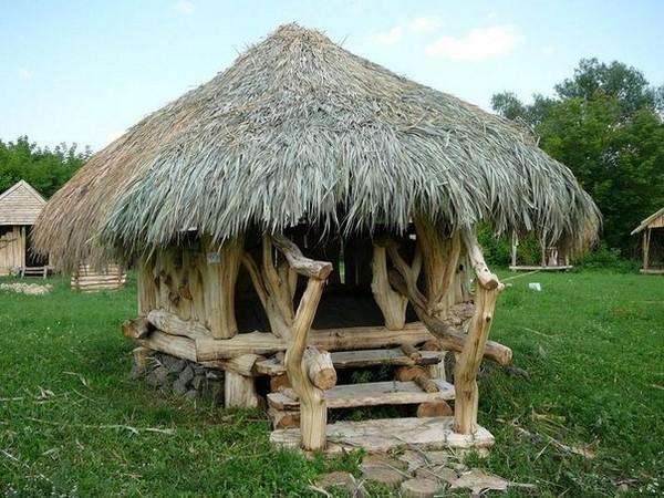 крыша из камыша для беседки