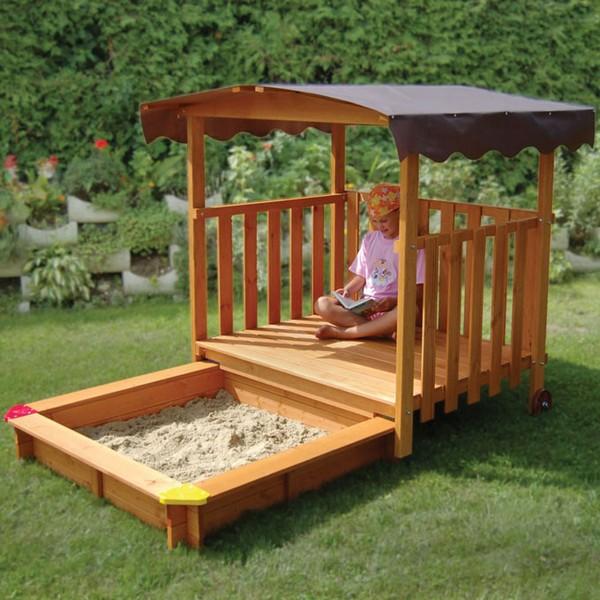 Домик-песочница для ребенка на дачу