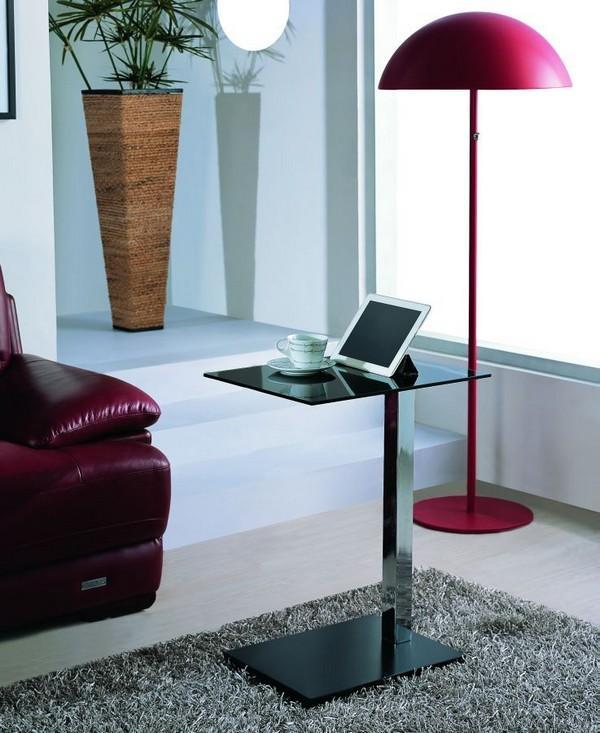 Современный приставной столик в интерьере