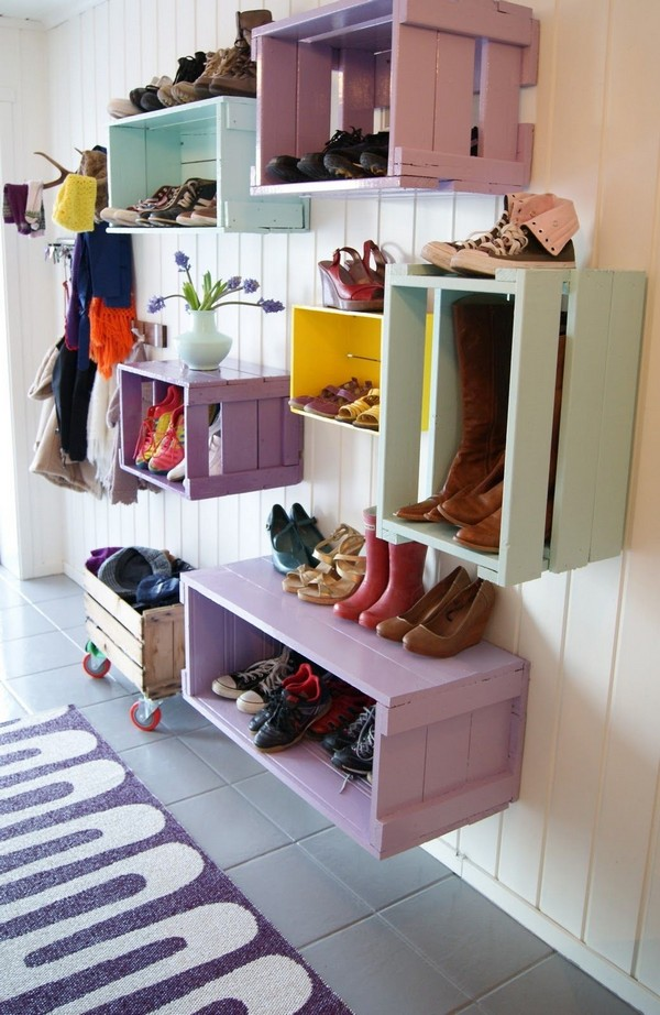 Подвесные деревянные этажерки для обуви фото