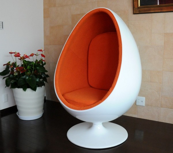 Eyeball chair