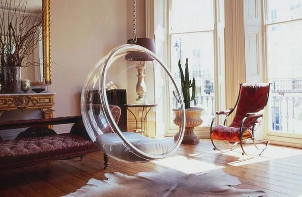 Прозрачное подвесное кресло в виде шара