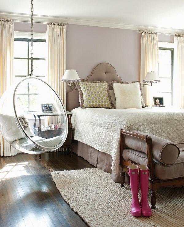 Подвесное кресло bubble в интерьере спальни