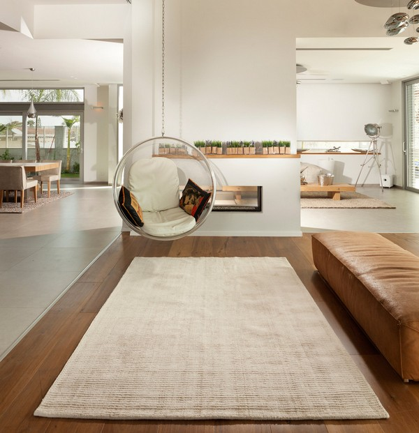 Подвесное кресло bubble в интерьере гостиной