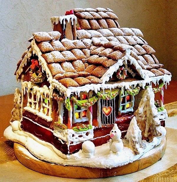 Крыша пряничного домика из воздушных сладких подушечек