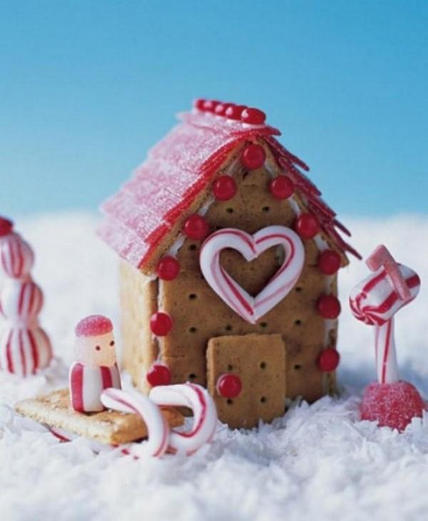 Красивый рождественский пряничный домик