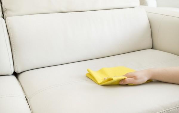 Выбираем средство для чистки мягкой мебели