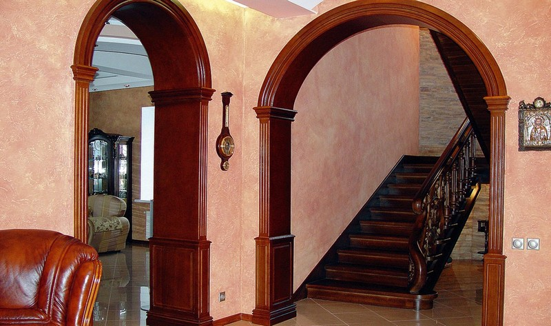 арка межкомнатная из дерева фото