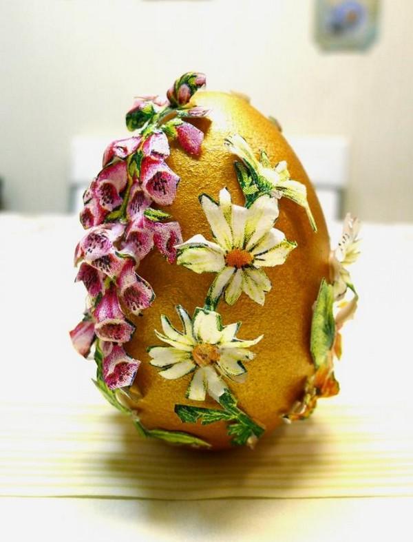 Объемный декор деревянного яйца