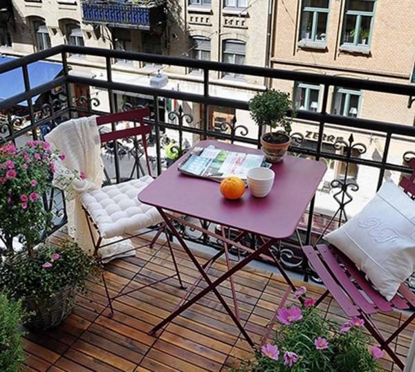 складной столик на балкон