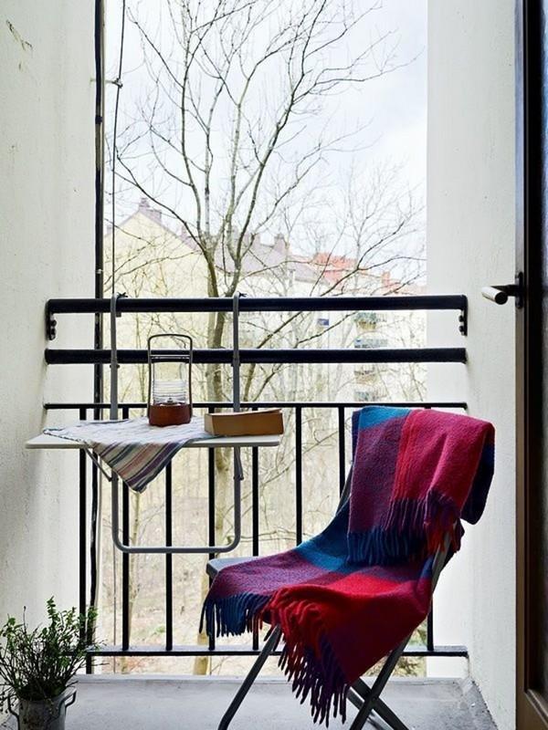 Откидной столик на балкон фото