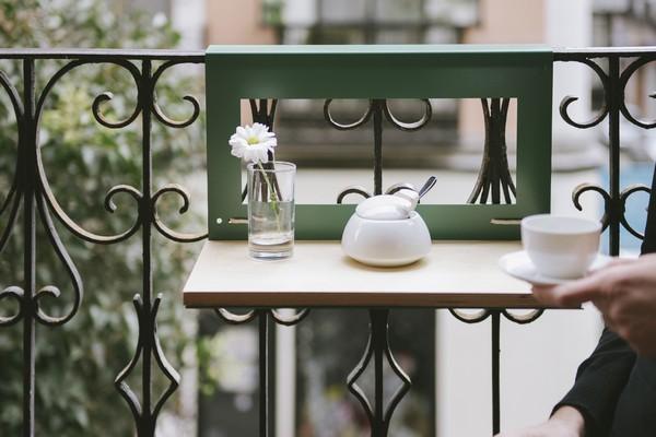 Навесной мини столик на балкон своими руками