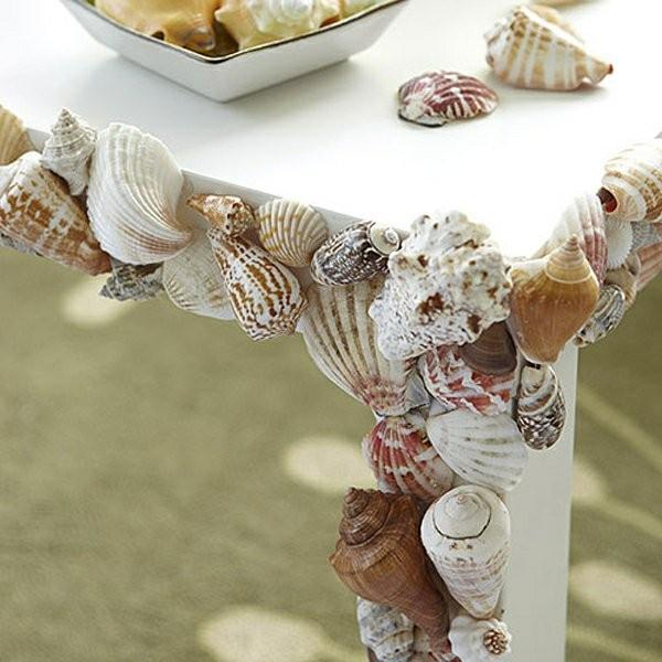 Декор детского стола ракушками для летнего дизайна интерьера