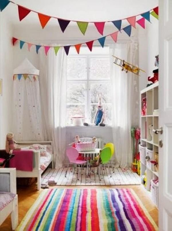 Яркий летний интерьер детской фото