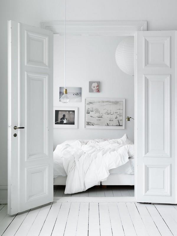 Белый цвет в интерьере скандинавской спальни