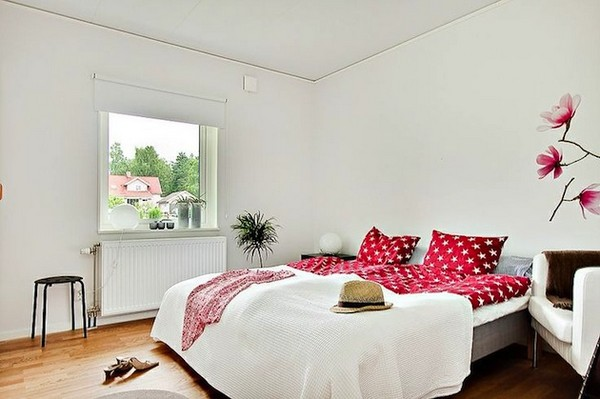 Яркие акценты для скандинавского дизайна спальни