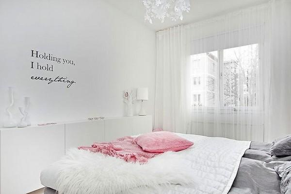 Романтический интерьер спальни в скандинавском стиле