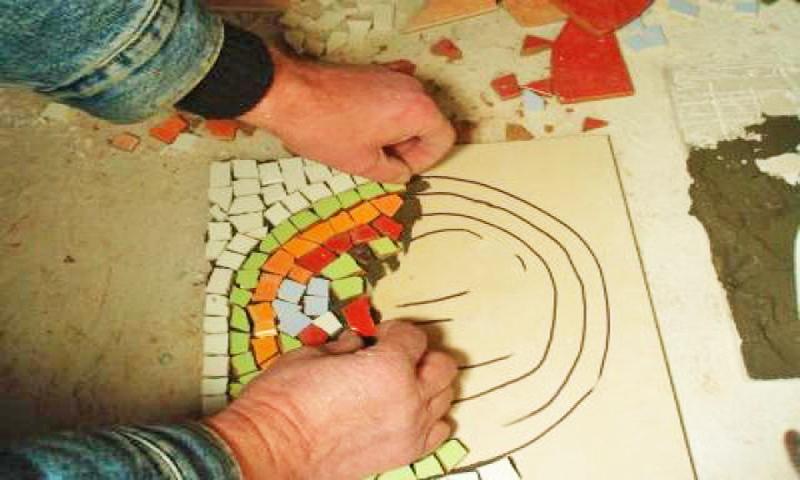 как укладывать мозаику на пол фото