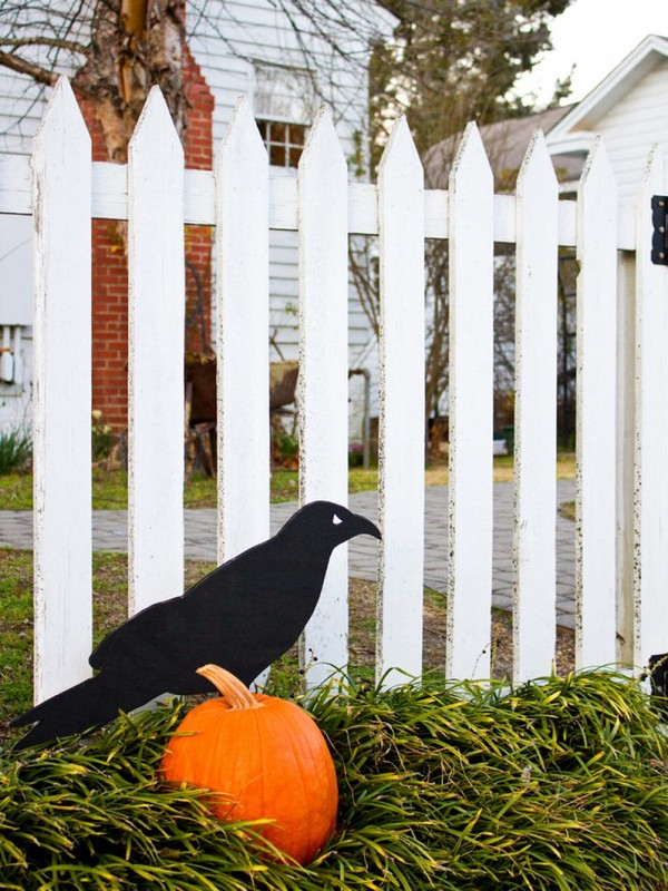 Фигурка вороны для декора на Хэллоуин
