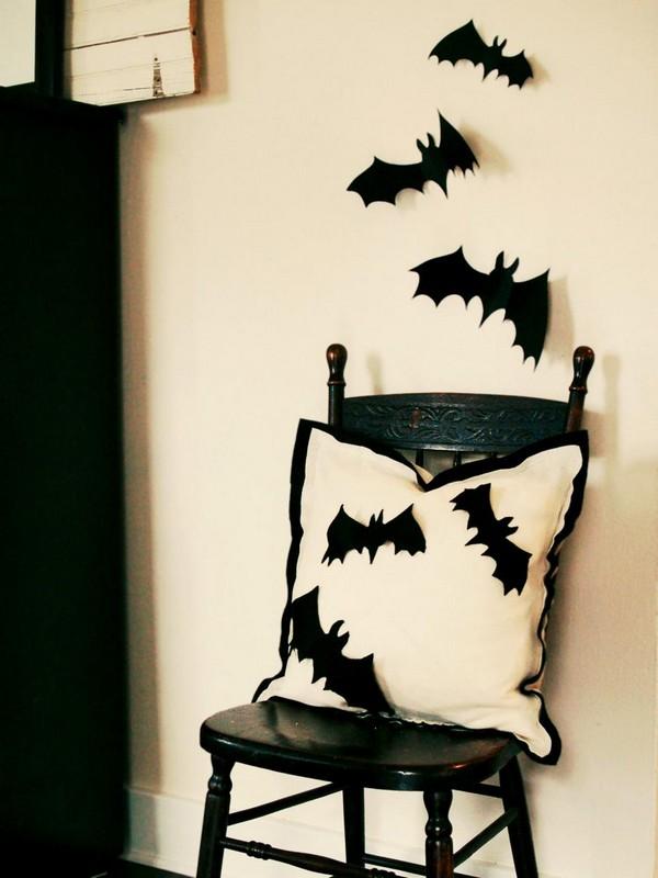 Декор стульев на Хэллоуин