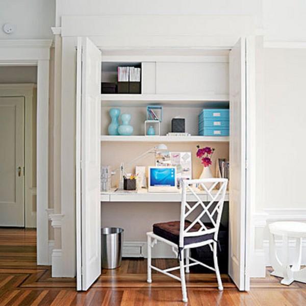 Мини-кабинет в спальне в шкафу фото
