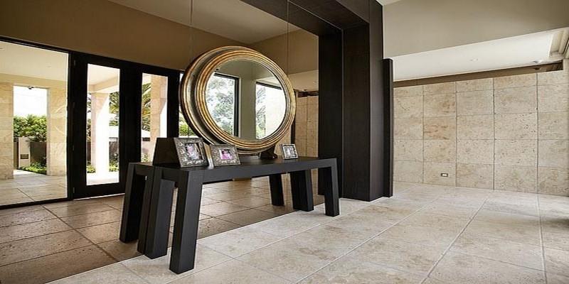 украшение стены зеркалами фото